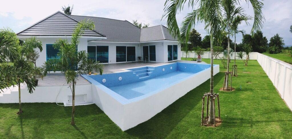 ข้อมูล บ้านพร้อมสระว่ายน้ำ