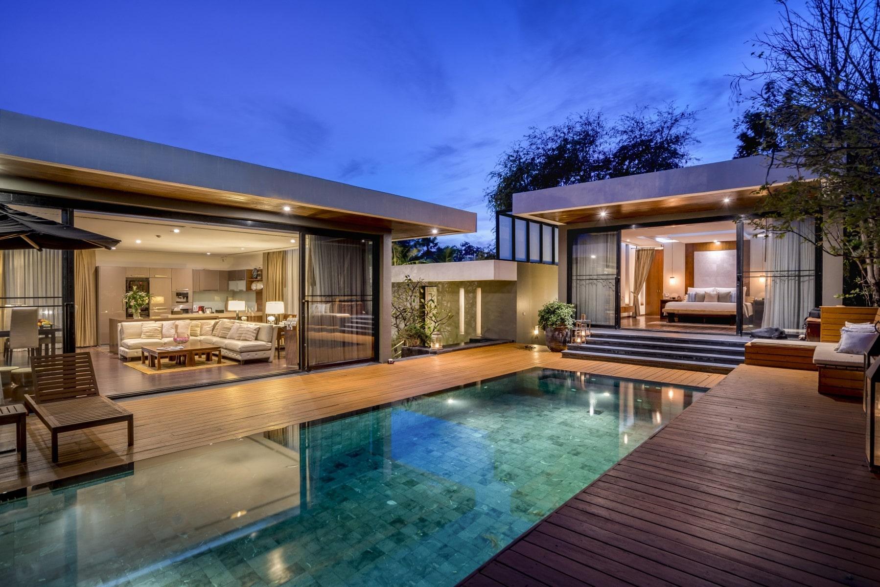 Review villa phuket beachfront